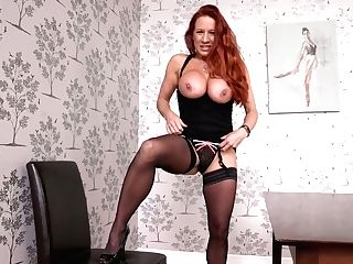 Jaw Pulling Down Crimson Haired Cougar Faye Rampton Shows Off Her Tasty Looking Cunt