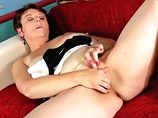 Mischievous Housewife Getting Humid On The Couch - Maturenl