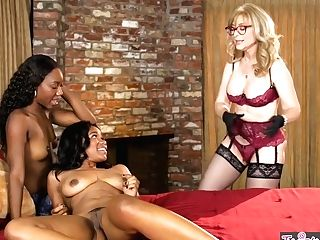 Mom Knows Best - Chanell Heart Jenna Foxx Nina Hartley - Nothing To Be Shamefaced Of - Twistys