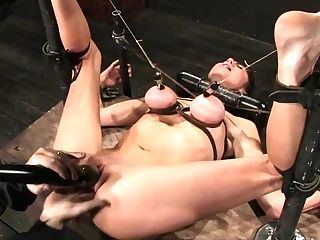 Princess Donna Dolore In Princess Donnaworld Famous Mistress Boundand Begging To Spunk - Devicebondage
