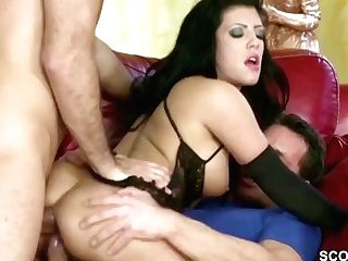 Extrem Hot Wifey In Dual Fuck With Spouse And His Friend