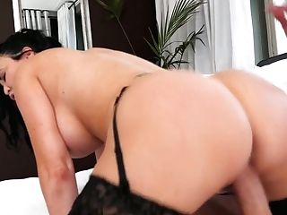 Sextractive Brit Hooker Jasmine Jae Is Fucked By Well Gifted Dude