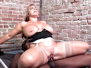 Amber Lynn Bach - Dogfartnetwork