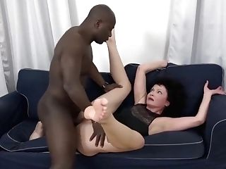 His Big Black Spear Makes The Matures Housewife Have Numerous Orgasms