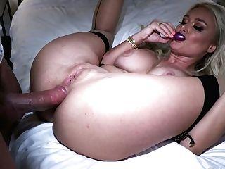 Bosomy Grind Blonde Natalia Starr Gives A Wonderful Oral Pleasure And Rails A Dick