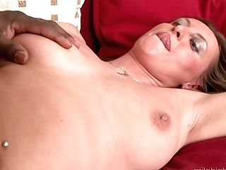 Brown-haired Hook-up Kitty Kills Time Throating Boy's Pulsating Schlong