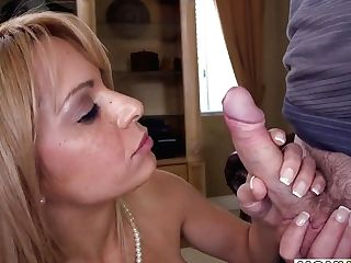 Banging Stepmom Alyssa Lynn And Babysitter Alina Li