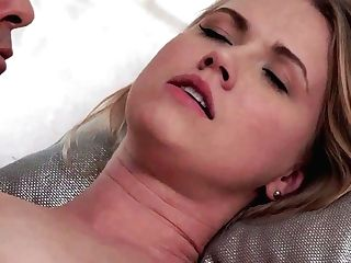 Puny Jugged Blonda Rails A Dong - Violette Unspoiled