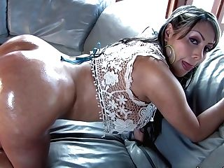 Colombian Princess With A Large Round Backside