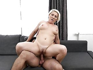 Chubby Matures Cowgirl Bibi Pink Shows Off Superb Fucking Abilities