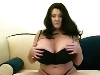 Pleasing Breasty Experienced Lady Have Fun With Her Cunt